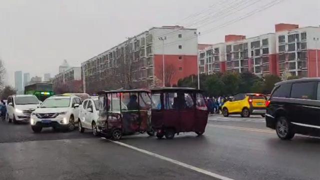 周口市民熱議:電(機)動三輪、四輪車帶來的城市之痛